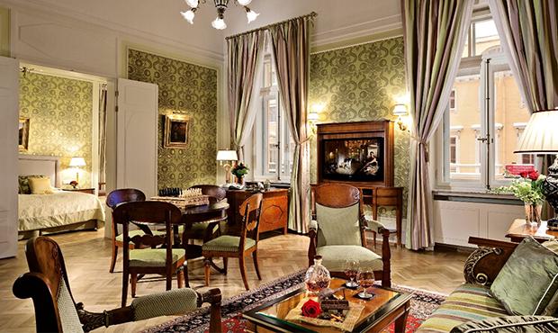 Скидка до10% напроживание именю ресторанов в«Гранд Отеле Европа»